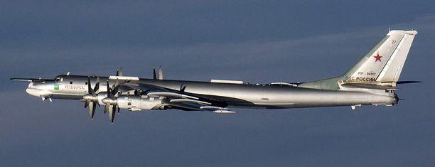Ilmavoimat julkaisi viime viikolla kuvia venäläiskoneista niiden voimakkaasti lisääntyneen lentotoiminnan takia.