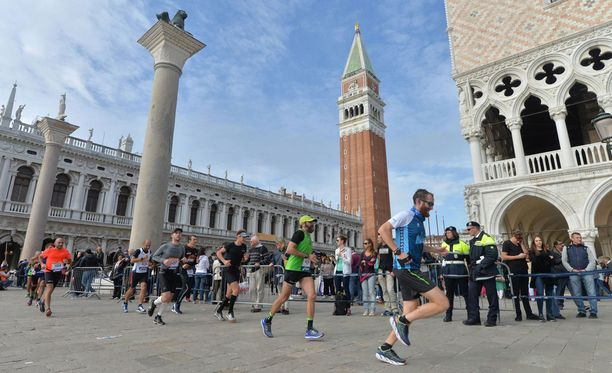 Venetsian maraton päättyi melkoiseen farssiin. Kuvituskuva.