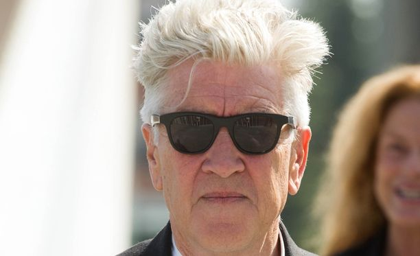 Ohjaaja David Lynch tuo ruutuihin lukuisia alkuperäisestä sarjasta tuttuja hahmoja.
