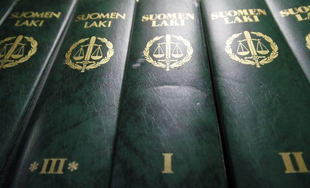 Itä-Suomen hovioikeus on kuullut murhasta tuomitun entisen iskelmälaulajan tapausta.
