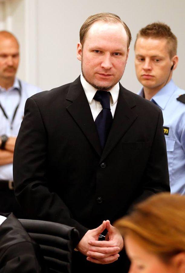 Breivik ei ole osoittanut minkäänlaista katumusta poliittisesta iskustaan. Hän istuu 21 vuoden vankeustuomiota.
