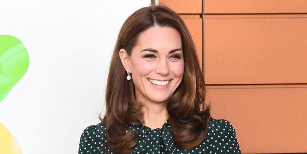 Herttuatar Catherine ei ole kommentoinut julkisesti pikkuserkkunsa ylilyöntejä.