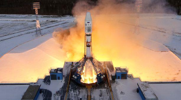 Satelliitteja kantava Soyuz 2.1b -raketti laukaistiin Vostotšnyin avaruuskeskuksesta vuonna 2017.