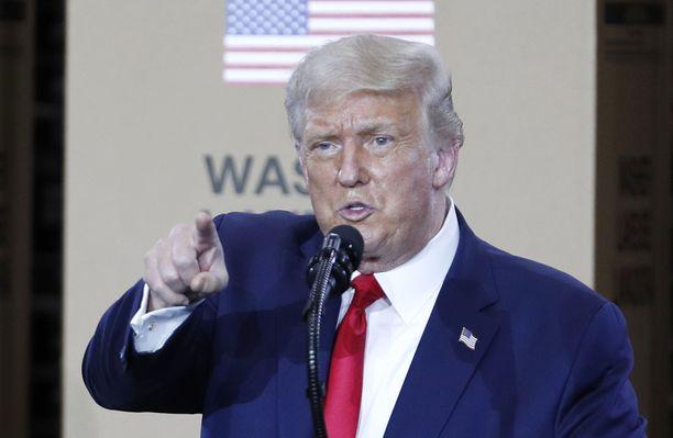 Presidentti Donald Trump puhui torstaina kodinkonevalmistaja Whirlpoolin tehtaalla Ohiossa.