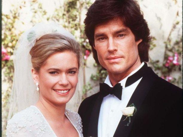 Näyttelijät Joanna Johnson (Caroline) ja Ronn Moss (Ridge) muistetaan Kauniit ja rohkeat -sarjasta.