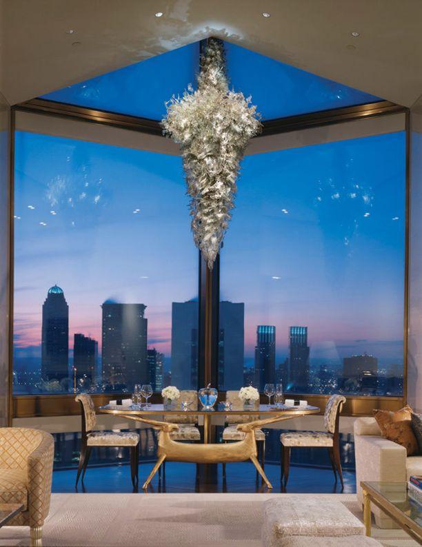 Ty Warner Penthouse -sviitin näköala on upea.