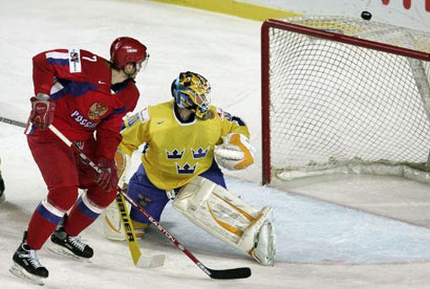 Aleksei Mihnov narutti Ruotsin Jonas Holmqvistia kahdesti.