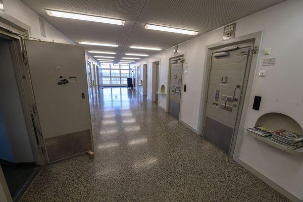 Riihimäen vankila on yksi Suomen suljetuista vankiloista.