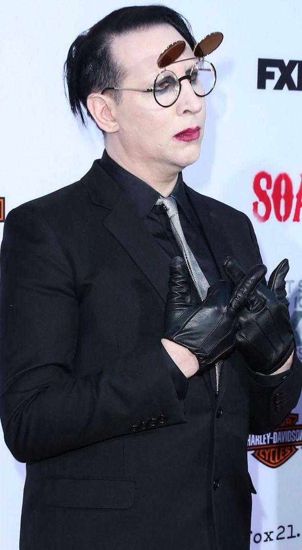 Näin huoliteltuna Marilyn Manson edusti punaisella matolla syksyllä 2014.