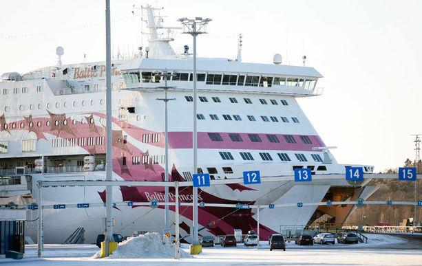 Tallink Silja irtisanoutuu henkilöstöjohtajansa kommentista.