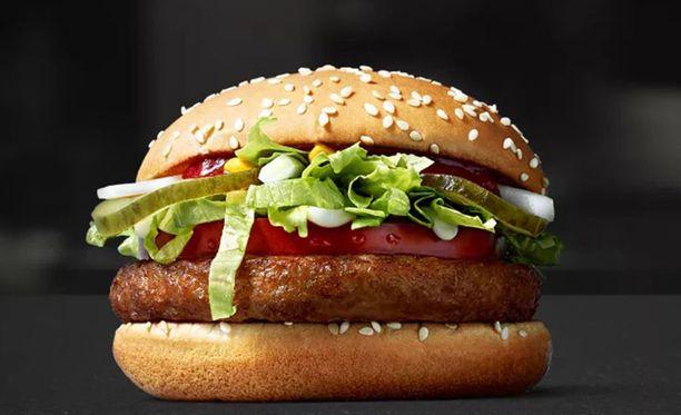 McDonald's testaa vegaanista McVegan-hampurilaista Suomessa Tampereella.