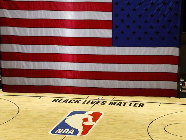 Keskiviikon tapahtumat asettivat NBA-kauden jatkon vaakalaudalle.