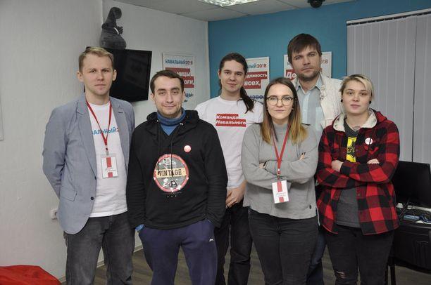 Andrei, Nikita, Pavel, Natasha, Artem ja Yana tukevat oppositiojohtaja Aleksei Navalnya, ja sen takia he eivät ole välttyneet hankaluuksilta viranomaisten kanssa.