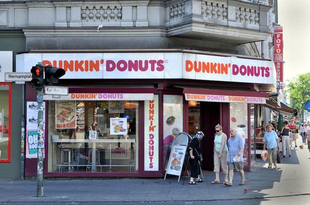 Muun muassa Dunkin' Donuts hakee jalansijaa Suomesta. Kuvassa yrityksen myymälä Berliinissä.