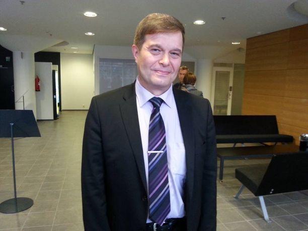 Kari Tolvanen on kokoomusjohdon vetoomuskirjeen puuhamies.