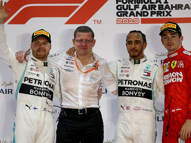 Bahrainin GP päättyi Mercedeksen juhliin.