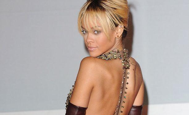 Rihanna haluaisi voida jakaa menestyksensä jonkun kanssa.
