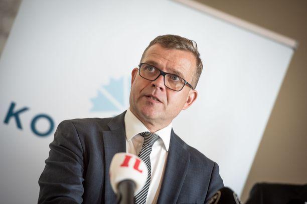 Petteri Orpo valitaan Porin puoluekokouksessa jatkamaan kokoomuksen puheenjohtajana.