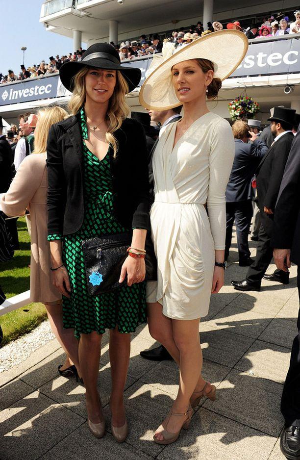 Susanna Warren, kuningattaren hyvän ystävän tytär ja Olivia Hunt, prinssi Williamin entinen tyttöystävä
