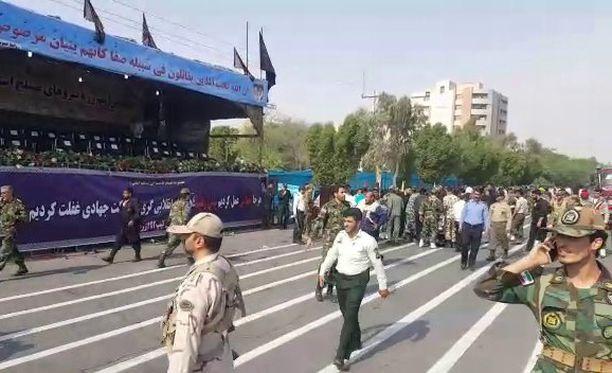 Sotilasparaati järjestettiin Irakin vastaisen sodan kunniaksi.