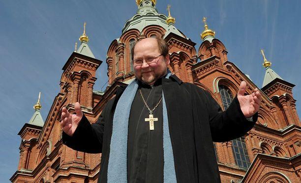 Mitro Repo on ollut usein otsikoissa sekä pappina että poliitikkona.