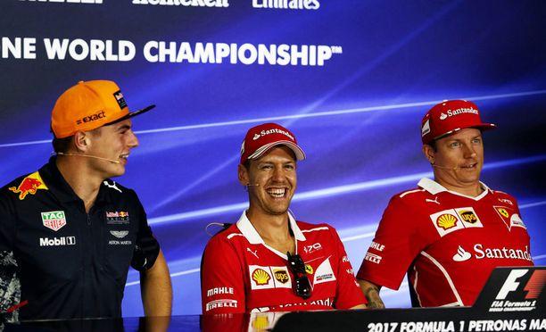 Max Verstappenilla ja Sebastian Vettelillä oli hauskaa, kun Kimi Räikkönen laukoi totuuksia.
