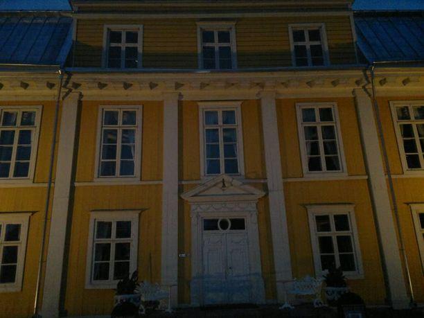 Perehtyminen aavetarinoihin tutustuttaa samalla myös suomalaiseen kulttuurihistoriaan.