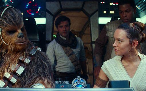 IL-Arvio: Uusi Tähtien sota -filmi on laskelmoitu, mutta jännittävä ja viihdyttävä päätös Skywalker-saagalle