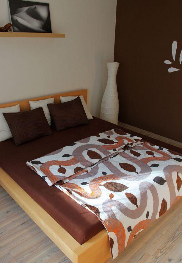 Ruskea on suosittu väri, mutta makuuhuoneeseen sitä ei suositella.