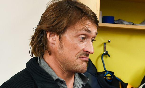 Teemu Selänne ei voi käsittää IFK:n alamäkeä.