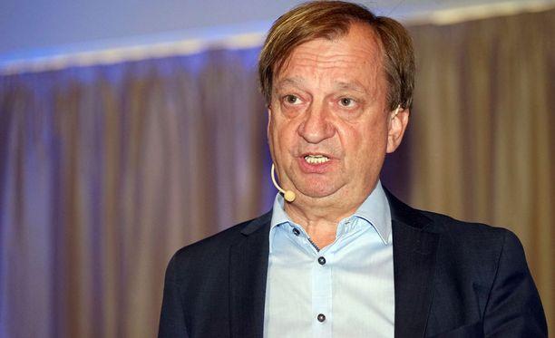 Hjallis Harkimo haluaa, että suomalaispelaajien kieltäytymisten syyt selvitetään.