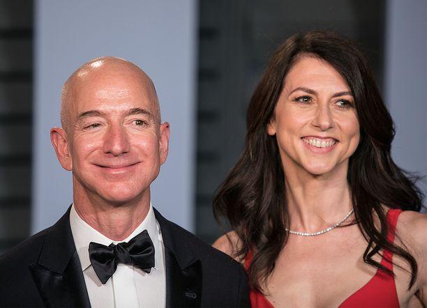 Jeff ja MacKenzie Bezos ilmoittivat alkuvuodesta, että heidän 26 vuoden avioliittonsa on ohi.