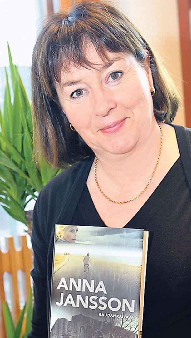 Anna Janssonin uudessa dekkarissa rikoksia selvittää jälleen rikoskomisario Maria Wern.