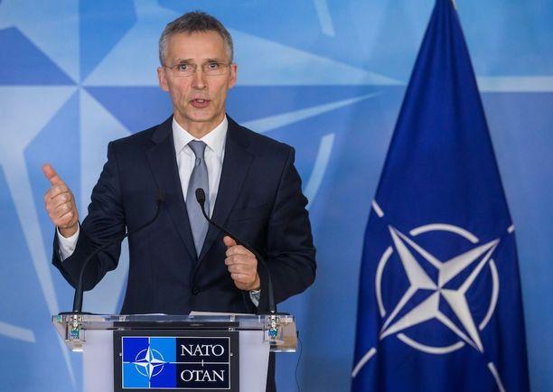 Nato tukee vahvasti EU:n suunnitelmia, uskoo Jyrki Katainen. Kuvassa Naton pääsihteeri.
