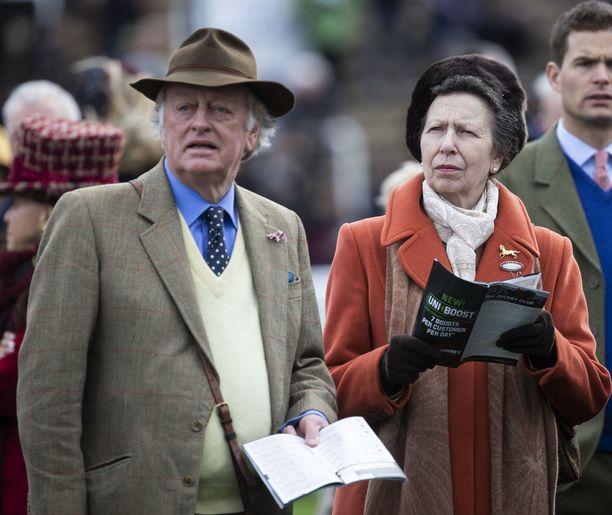 Andrew Parker Bowles ja prinsessa Anne ovat hyviä ystäviä.