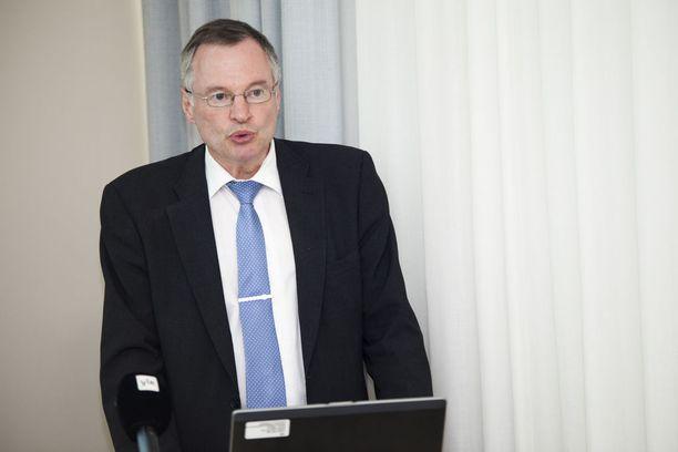 Sisäministeriön maahanmuutto-osaston ylijohtaja Jorma Vuorio.
