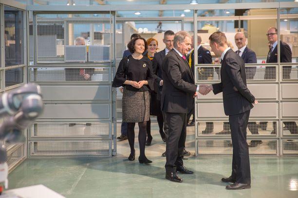 Presidenttipari vierailee tänään Vaasassa.
