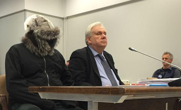 Kolmesta taposta ja viidestä tapon yrityksestä syytetyn miehen tapausta käsiteltiin Pohjois-Karjalan käräjäoikeudessa.