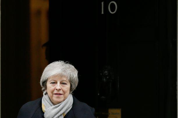 Theresa May saa todennäköisesti jatkossakin asua pääministerin virka-asunnossa Downing Street 10:ssä.
