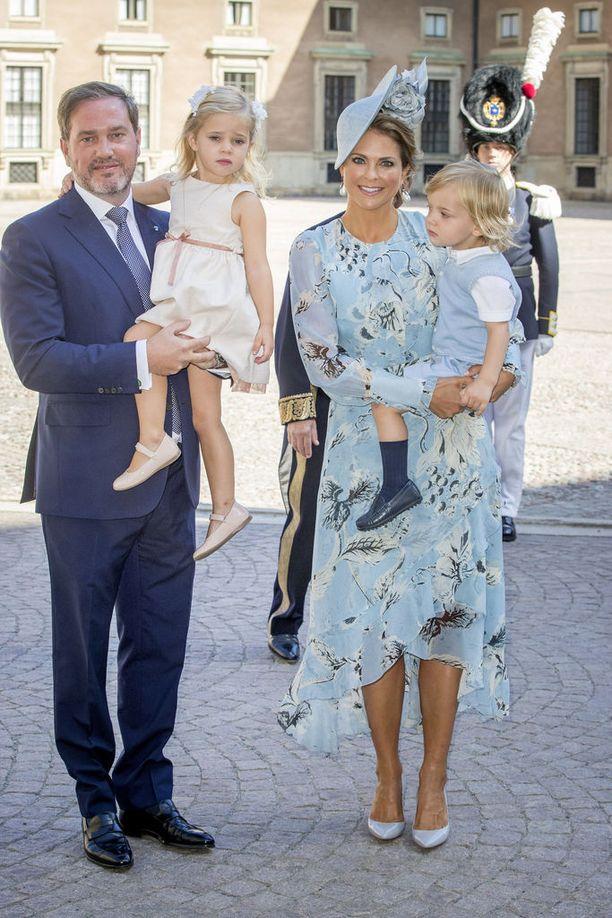 Prinsessa Madeleinen ja liikemies Chris O'Neillin esikoinen on kolmevuotias prinsessa Leonore ja nuorin on kaksivuotias prinssi Nicolas.
