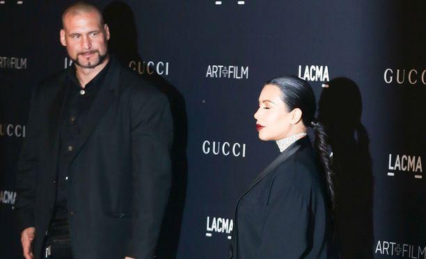 Pascal Duvier on päätynyt seurapiiripalstakuviinkin liikkuessaan Kardashian-perheen kanssa.
