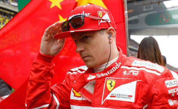 Kimi Räikkönen joutui sunnuntaina ajetussa Kiinan GP:ssä Ferrarin pelinappulaksi. Myös vuosi sitten hänen taktiikkansa epäonnistui pahasti.