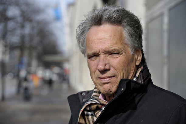Chilessä diplomaattitehtävissä 1970-luvun alussa työskennellyt Tapani Brotherus Helsingissä 1. huhtikuuta 2010.  /All Over Press
