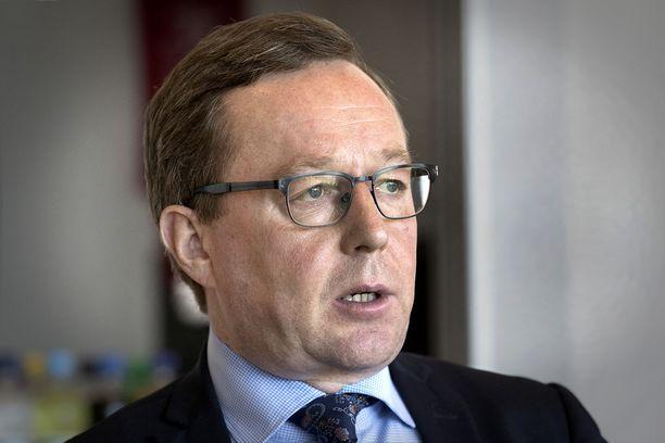 Valtiovarainministeri Mika Lintilä (kesk).