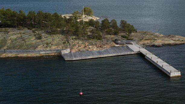 Airiston Helmi on rakentanut Säkkiluotoon suurille veneille soveltuvia laitureita.