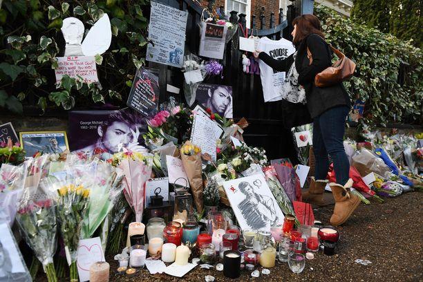 Tältä George Michaelin kotitalojen edustalla näyttää.