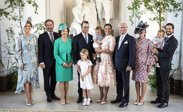 Ruotsin kuninkaallinen perhe on kasvanut vuosien varrella, kun Kaarle Kustaa ja Silvia ovat saaneet lapsenlapsia.