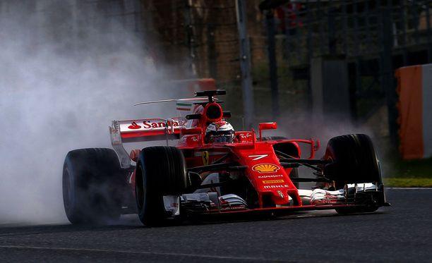 Kimi Räikkönen oli torstain ensimmäisen session nopein kuski.