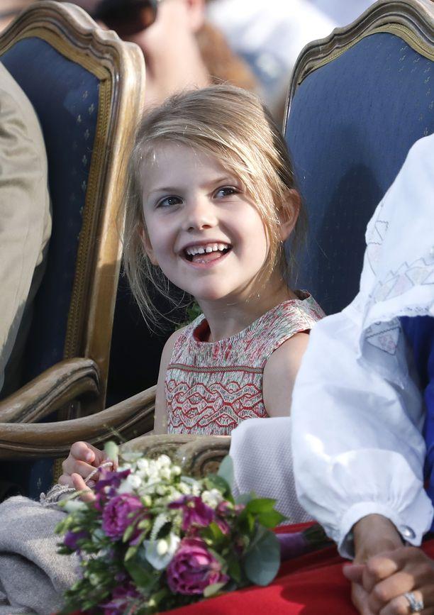 Prinsessa Estelle kuvattuna viime kesänä.