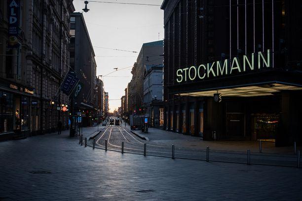 Stockmannin asiakasvirrat tyrehtyivät koronaviruksen takia. Kuva otettu maaliskuussa 2020.